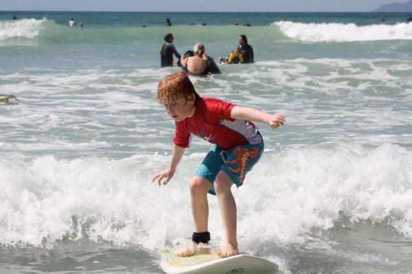 josh-surfing